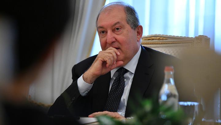 Նախագահ Սարգսյանը պարգևատրել է ոստիկանության մի խումբ ծառայողների