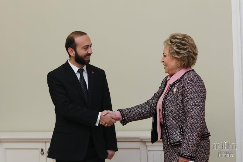 Արարատ Միրզոյանը հանդիպել է ՌԴ Դաշնային խորհրդի նախագահ Վալենտինա Մատվիենկոյին
